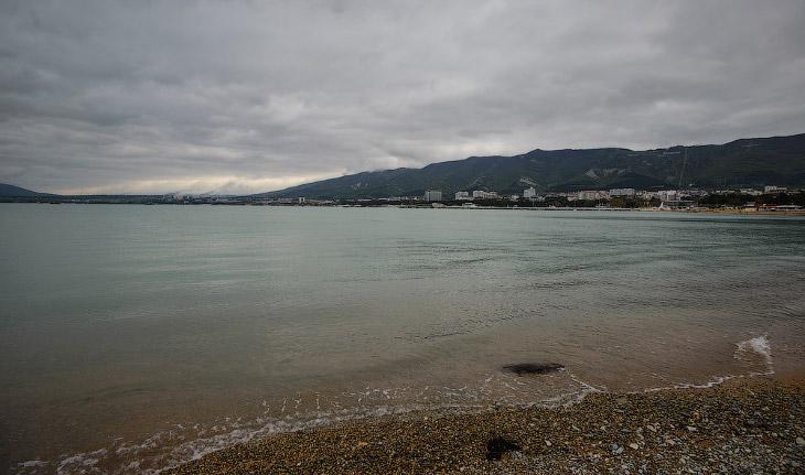 2. Но уже на следующий день облака начали расходиться, ветер утихать, температура подниматься и пока