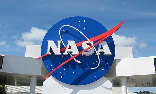 NASA отправит сверхтяжелую ракету-носитель SLS без экипажа