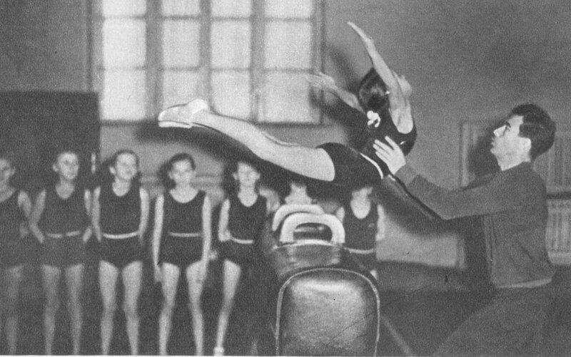 советская гимнастика упражнения фото фото мадонны символ
