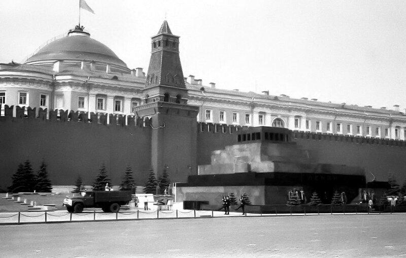 НАШ АДРЕС СОВЕТСКИЙ СОЮЗ. Москва.1978г. Фото Николая Бродяного 001.jpg