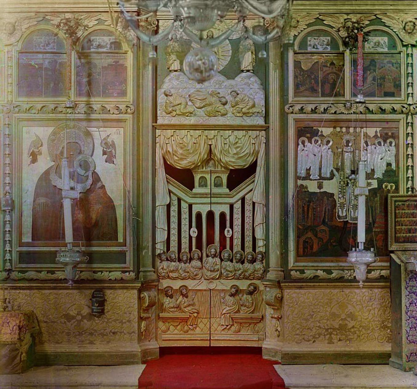 Белозерск. Иконостас в церкви Спаса Всемилостивейшего