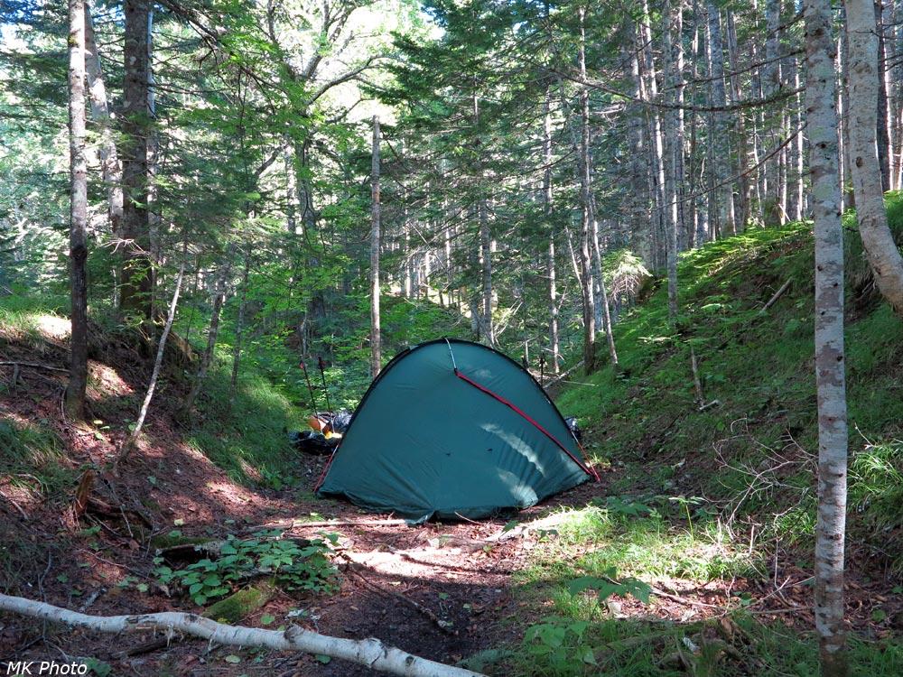 Палатка в выемке