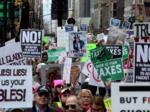 Марш налогов против Трампа, Нью-Йорк, 15.04.17.png