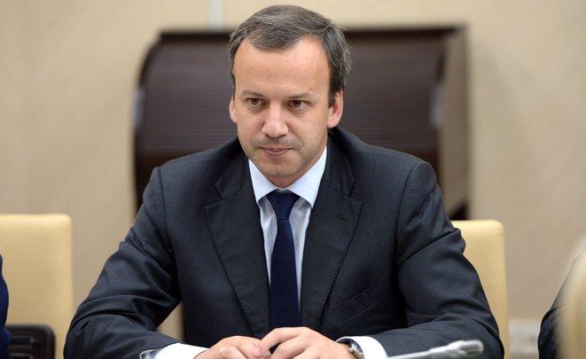 Дворкович поддержал идею непускать наработу сотрудников без медосмотра