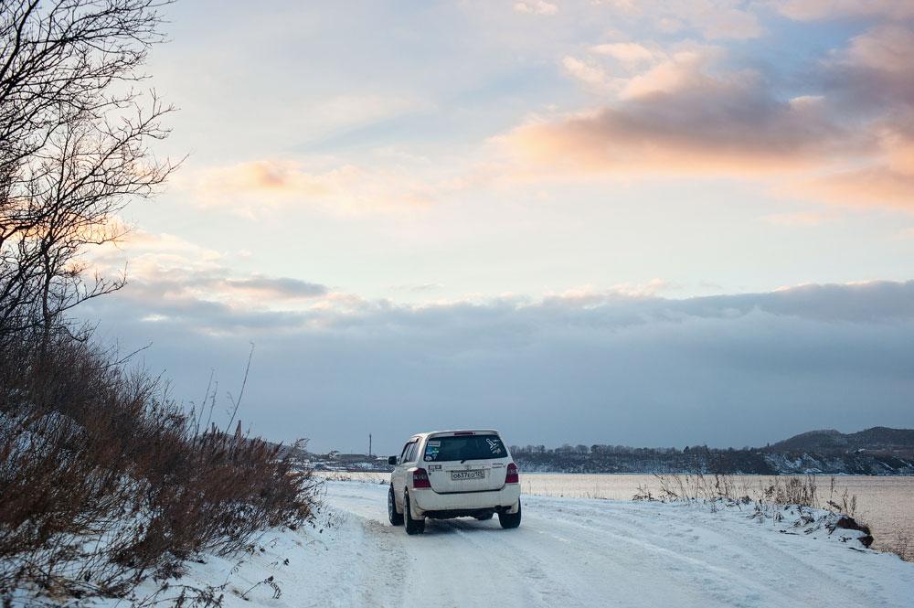 Дорога в закат на острове Русский.