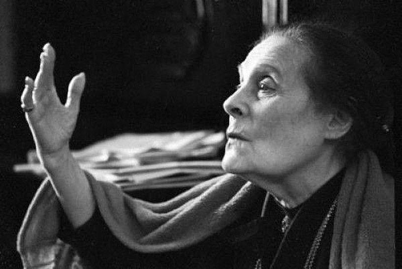 О Лиле Юрьевне рассказывали, что она и в 80 лет легко пленяла кавалеров, искусно меняя голос и выраж