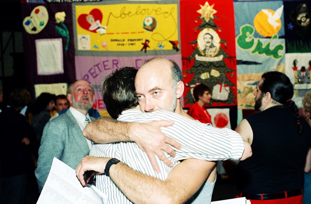 Вилл Хатчинсон увидел имя друга в списке мемориала погибших от СПИДа, 1988 год.