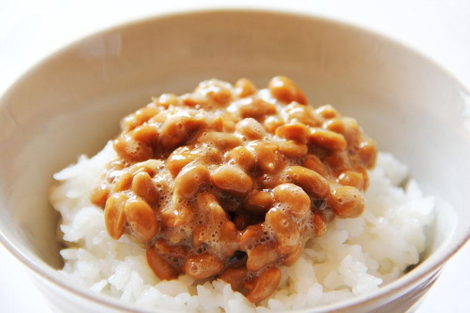 Инаго-но-цукудани. Это блюдо делается из насекомых, например саранчи.
