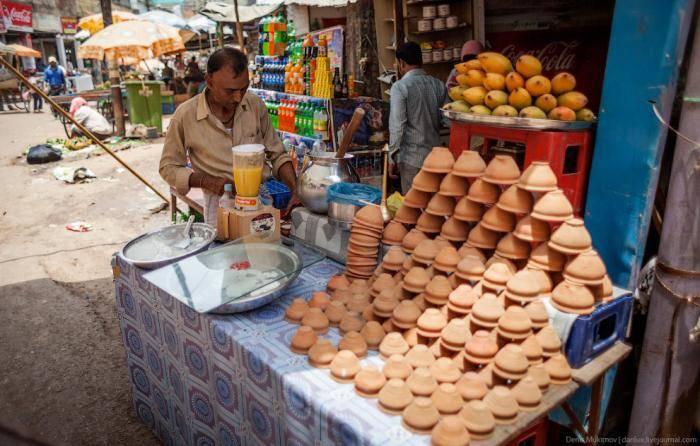 Задумайтесь, насколько низкая в стране оплата труда, если сделанная руками глиняная пиалка дешевле п