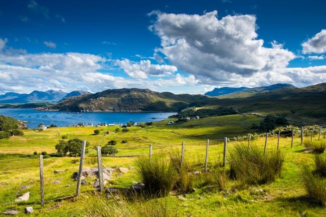 © depositphotos  Очаровательный остров недалеко отзападного побережья Шотландии. ВXIX веке з