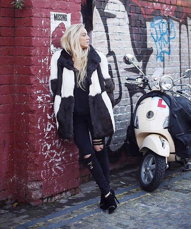 13. Сандра Хагельстам демонстрирует рок-н-ролльный стиль с помощью винтажных украшений, изделий из к
