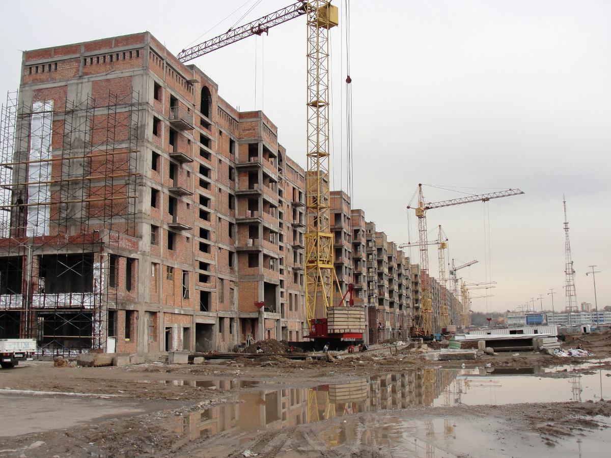 На месте снесенных частей старого Ташкента уже появляются новые дома. Скорее всего, жителям в них бу