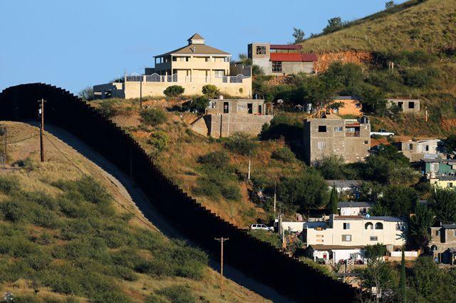 Число нелегалов, переходящих границу США при Трампе уменьшилось  на40%