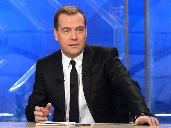 Нужно беречь руководство: Жириновский осудил КПРФ за«нападки» наМедведева