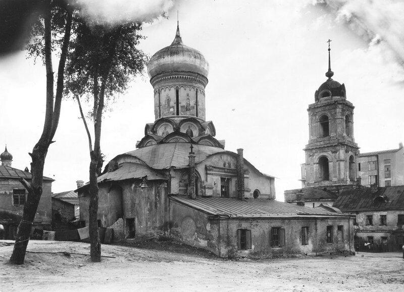 558038 Рождественский монастырь. Вид собора и колокольни Сошальский Г.Н..jpg