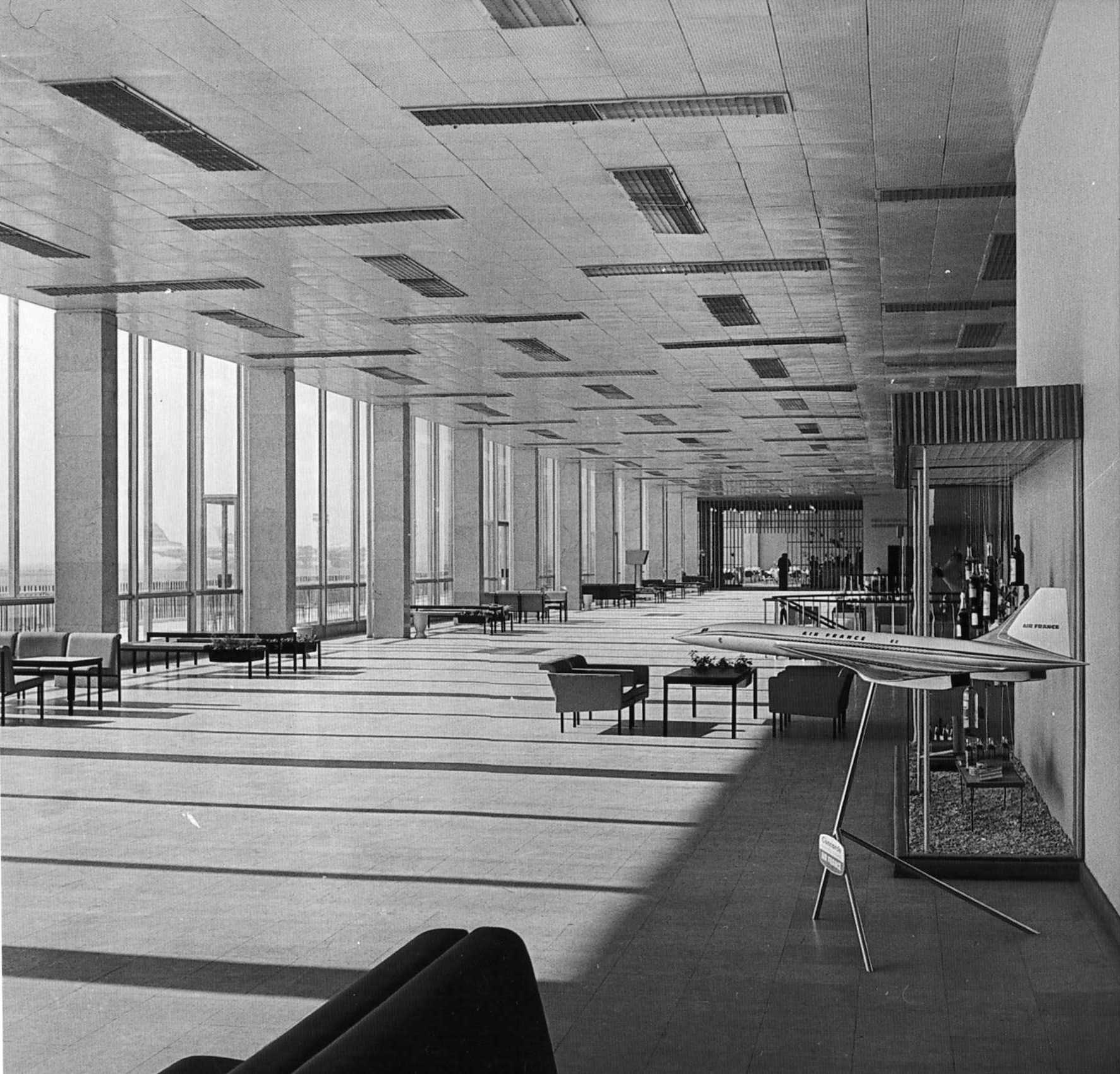 1960-е. Второй этаж здания аэропорта
