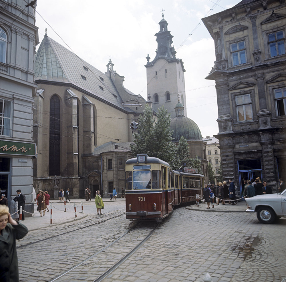 1970 Львов. Кафедральный собор Успения Пресвятой Девы Мари заложен в 1360 году по проекту зодчего Петра Штехера. Б. Криштул, РИА.jpg