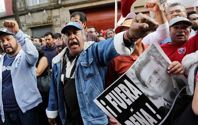 ВМексике возобновились акции протеста против поднятия  цен набензин