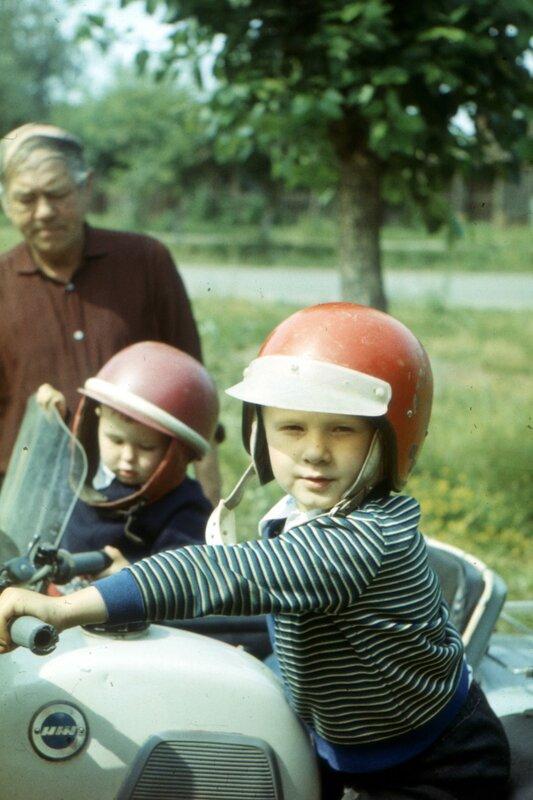 Воткинск, мб 1979 г. Тут я за рулем