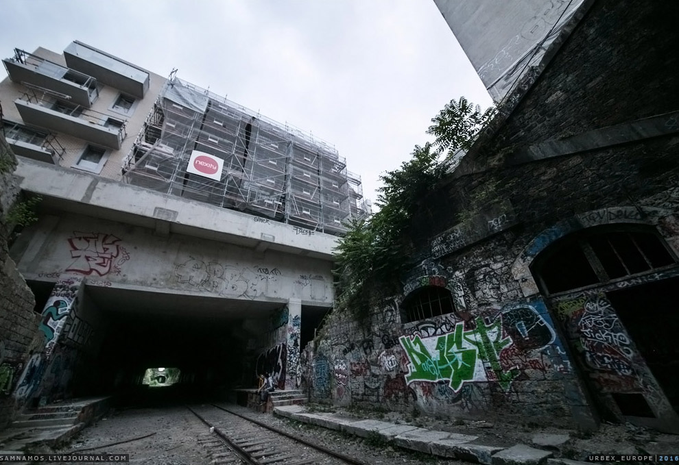5. Ныряем в очередной тоннель, самый длинный, протяженностью примерно в километр.