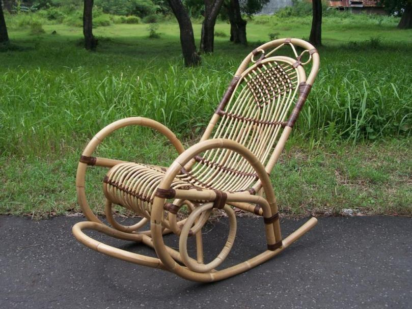 Кресло-качалка Кресло-качалка не так старо, как вы думаете. Эти кресла начали появляться в начале XV