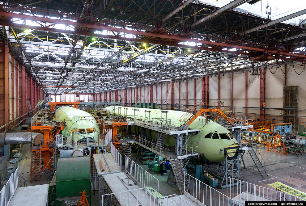 11. Диаметр фюзеляжа Ил-96-300 — 6 метров 8 см. Это всего на 42 см меньше, чем у Боинга-747.