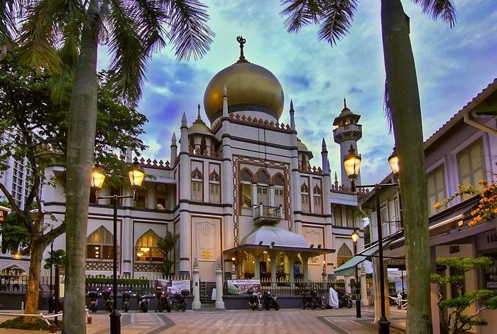 Сингапур является отличным выбором для любителей Азии, здесь есть возможности как для культурного от