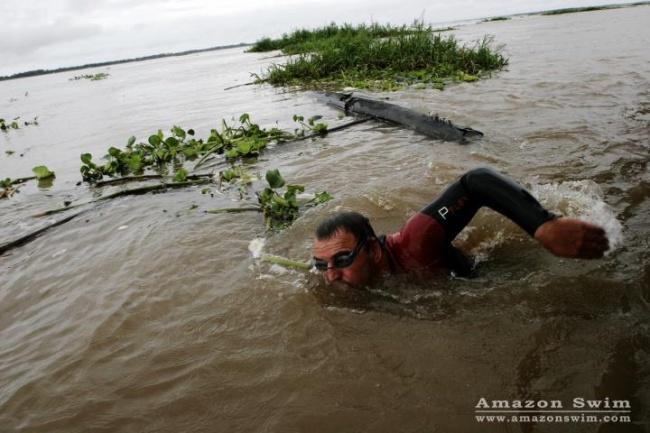 © amazonswim  Ккаждому заплыву онтщательно готовится: узнает, какие страны будет проплывать,