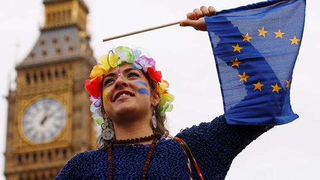 Шотландия может присоединиться ксудебному иску против руководства Англии
