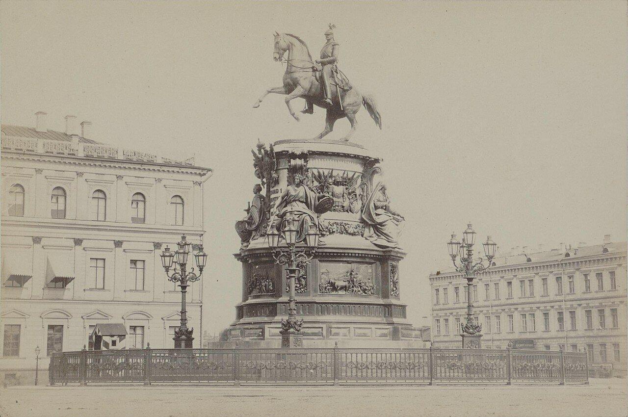 12. Памятник Николаю I