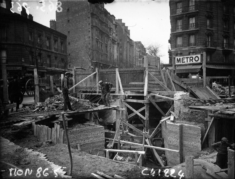 Строительство метро на площади Богренель