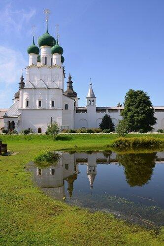 Церковь Иоанна Богослова в Ростове Великом.
