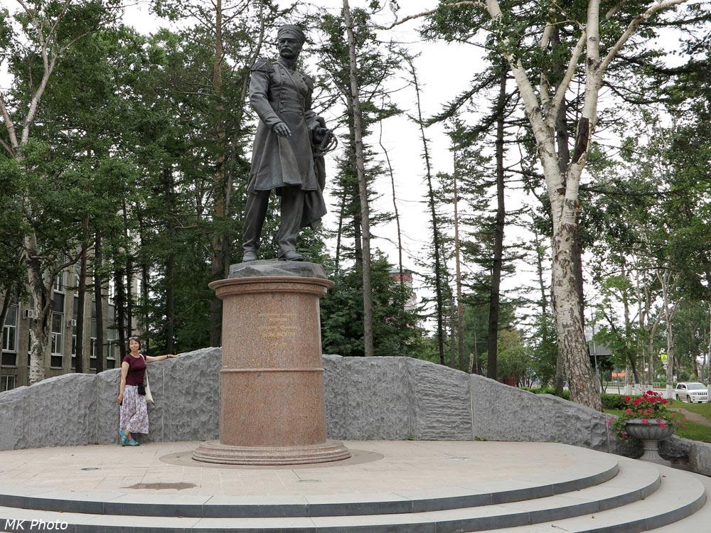 Памятник Невельскому