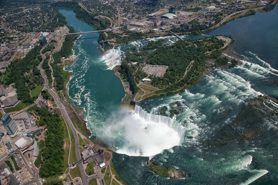 Peter Oshkai - Aerial view of the Niagara Falls.jpg