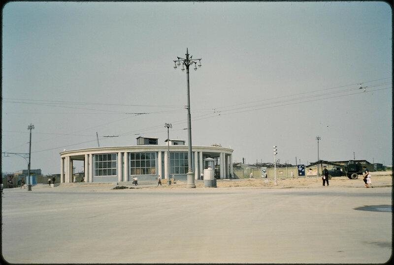 1959 Москав Вестибюль станции метро Университет. John William Reps.jpg