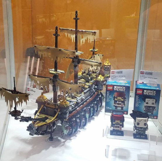 «Пираты 5», фигурки Lego.