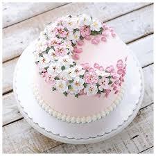 День кондитера! Нежный торт с весенними цветами