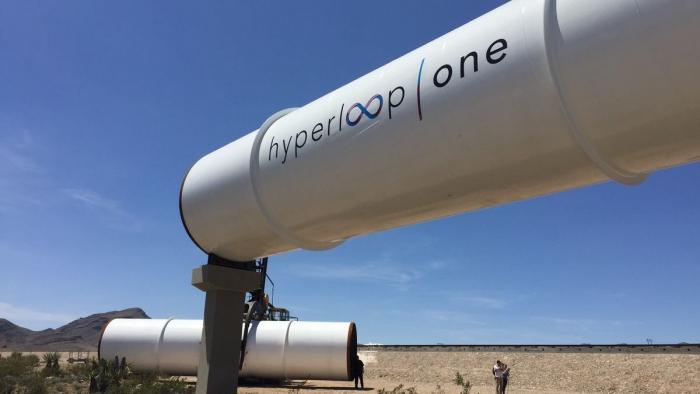 Hyperloop доставит пассажиров изДубая вАбу-Даби за12 мин.