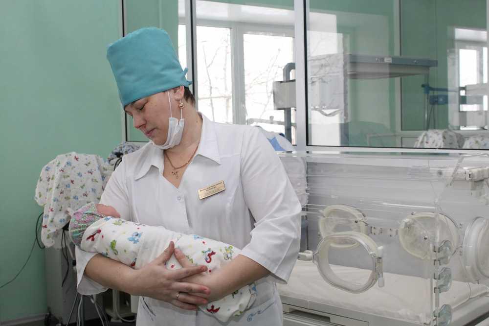 Вновогодние каникулы вОбластном перинатальном центре родилось неменее  70 детей