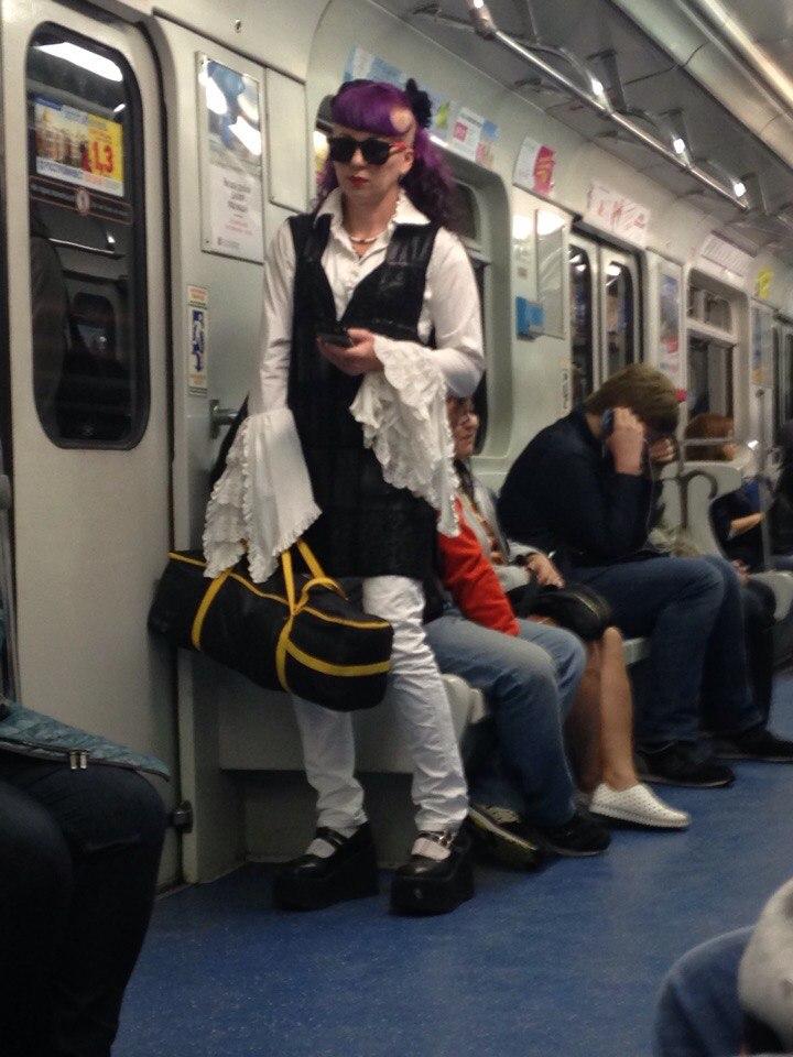 Модники в российском метро