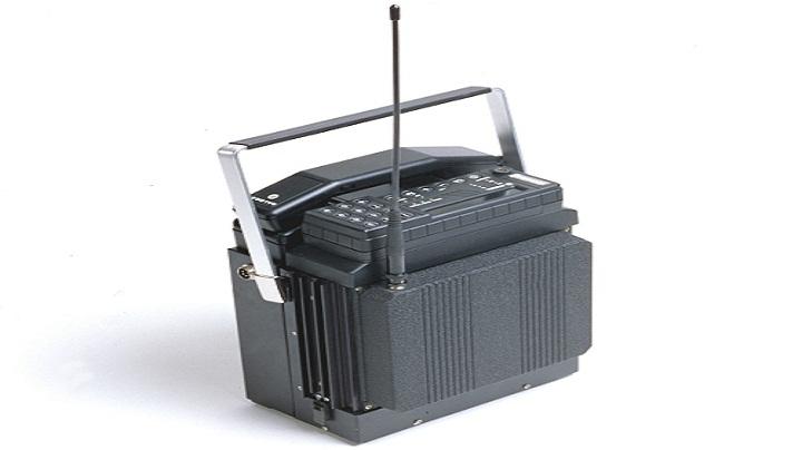 1982 год: Mobira Senator появился в 1982 году и стал одним из первых настоящих мобильных телефонов.