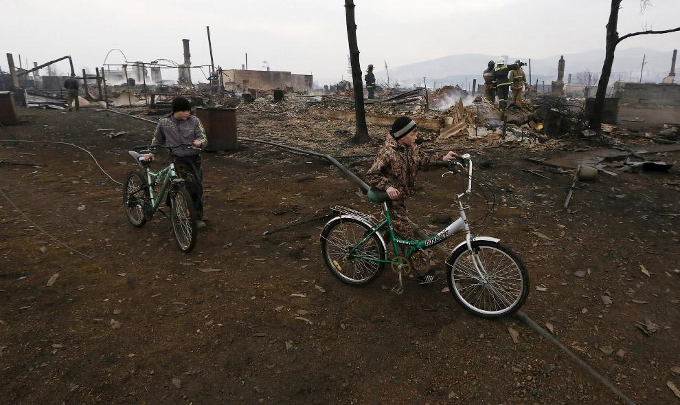19. Поселок Шира, Хакасия, 13 апреля 2015. (Фото Ilya Naymushin   Reuters):
