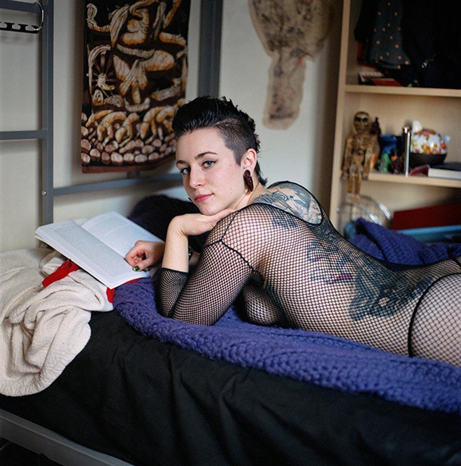 13. Зоя1984, бисексуалка, студентка, интересуется темой половой борьбы за власть.