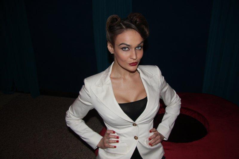 Экс-ведущая «Дома-2» Алена Водонаева желает уменьшить себе грудь— коренные изменения