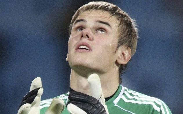 Прежний клуб Мораеса желает подписать Максима Коваля