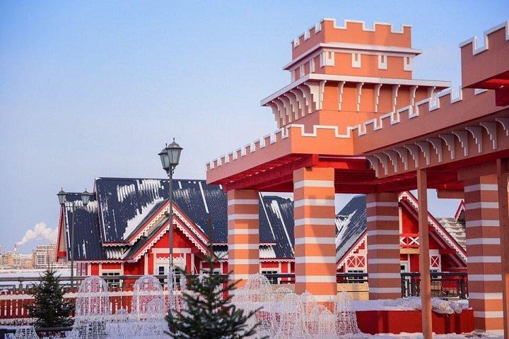 НаКремлевской набережной открывается чудный городок