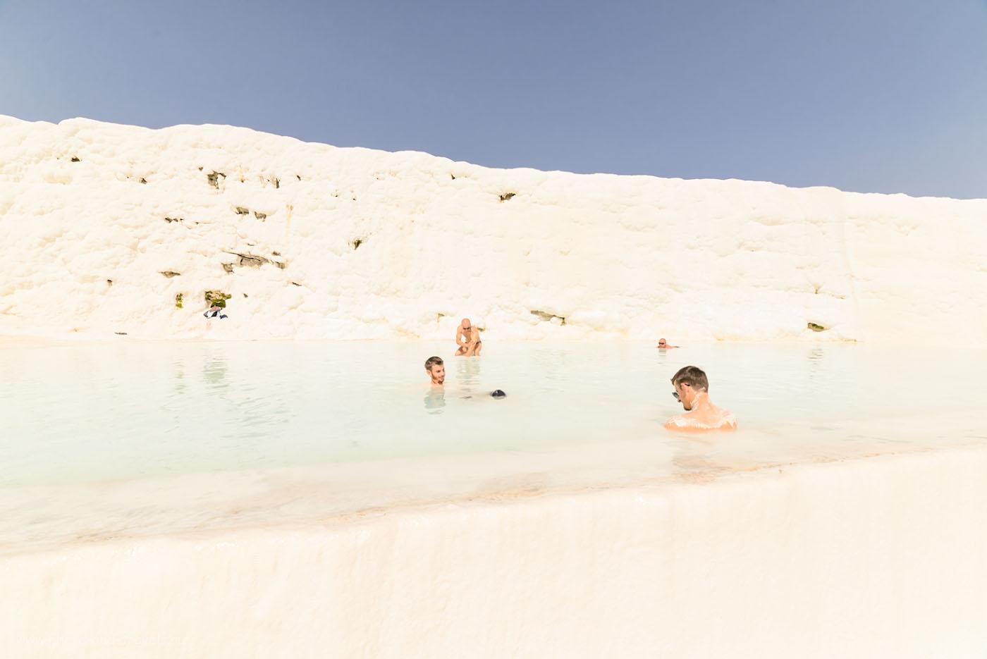 Фото11. Прием ванн с минеральной водой в искусственном травертине в Памуккале. Отчет о поездке по Турции на авто.