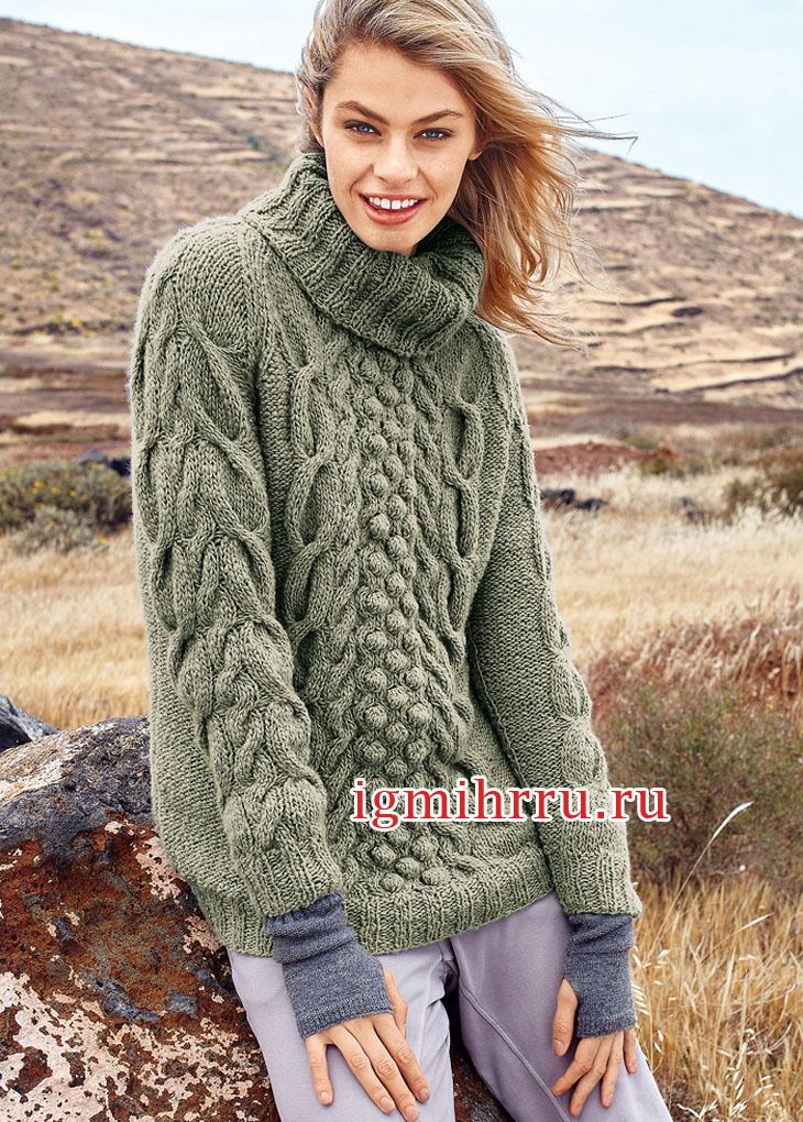 Серо-зеленый свитер с объемными косами и шишечками. Вязание спицами