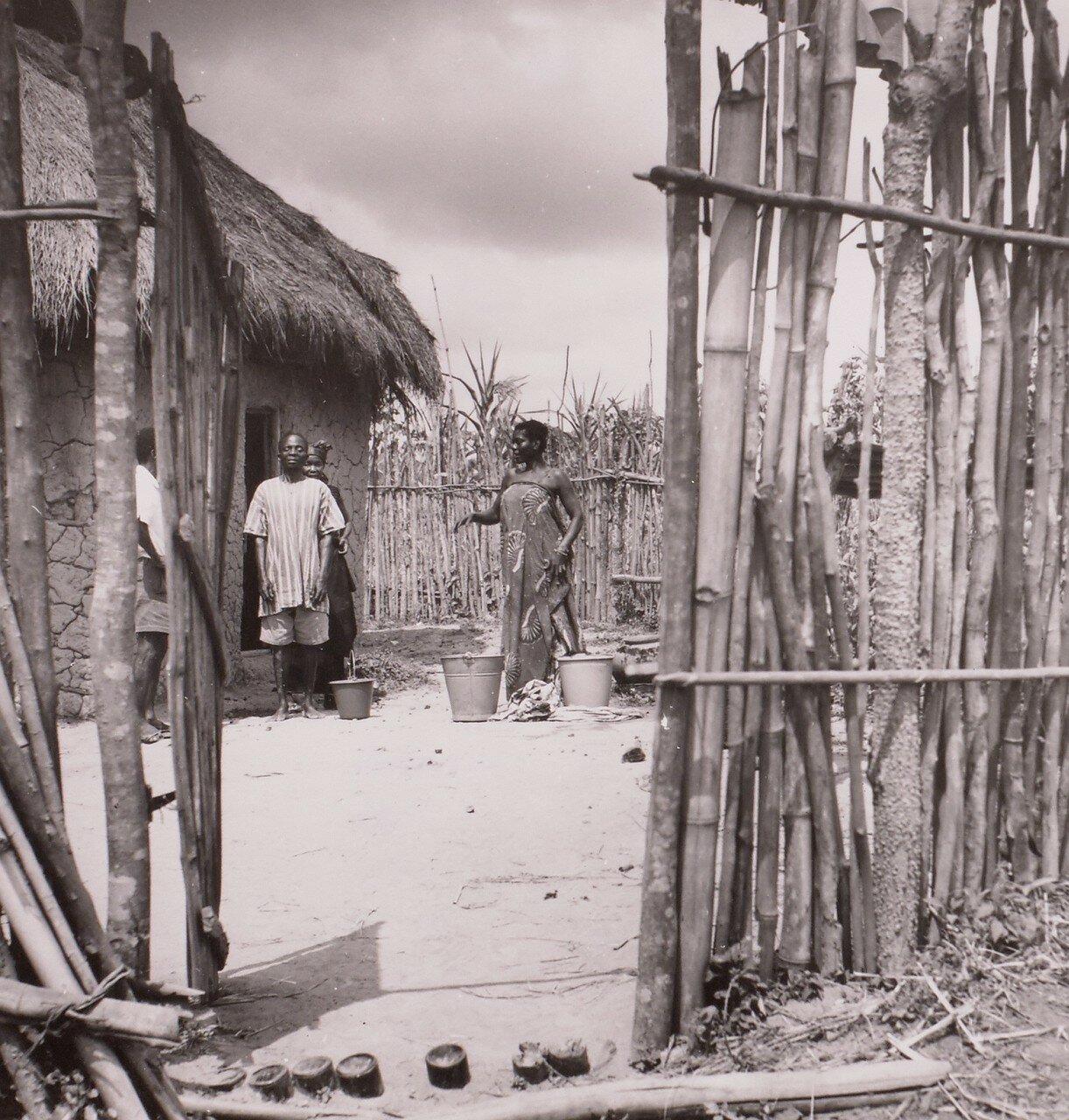 Гана. Деревня в саванне