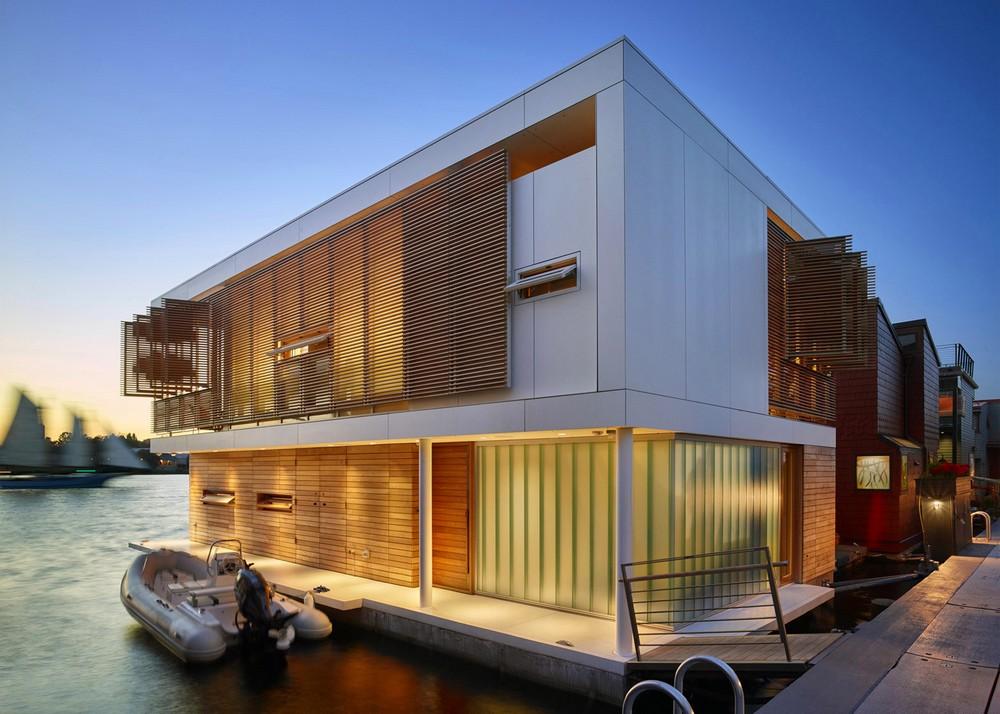 Дом на озере в городе Сиэтле